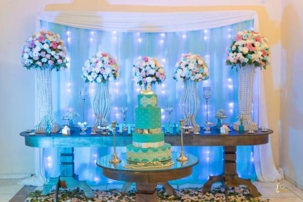 cores festa 15 anos azul mesa principal
