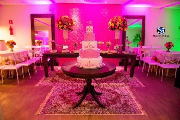 cores para festa 15 anos decoração rosa