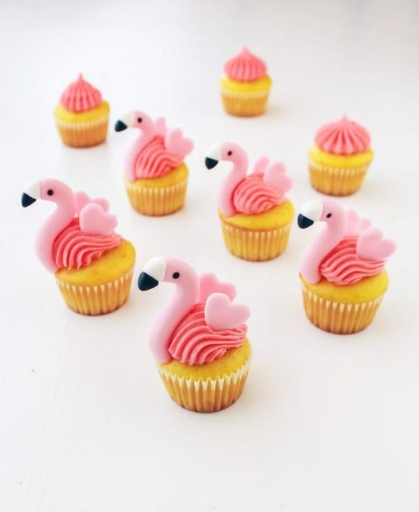 cupcake de flamingo decorado