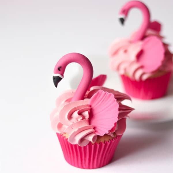cupcake de flamingo detalhado