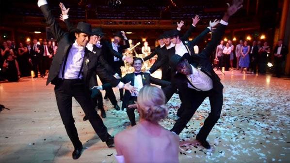 dança maluca em casamento