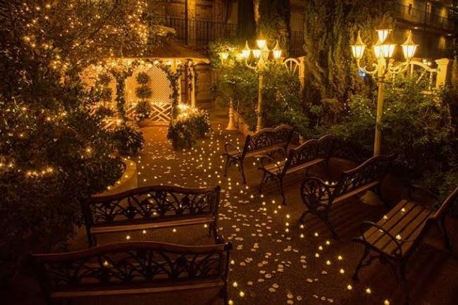 decoração de casamento ao ar livre a noite