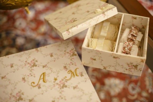 lembrancinhas para casamento ao ar livre caixa com bem casado