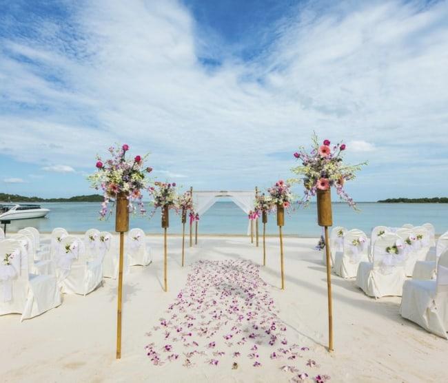 ornamentação de casamento na praia