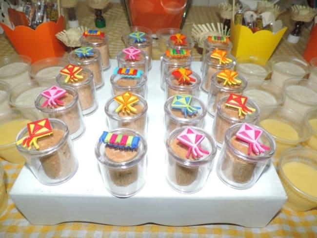 potinhos decorados para chá de fraldas junino