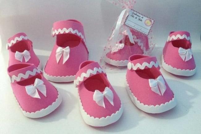 sapatinhos de bebê rosas