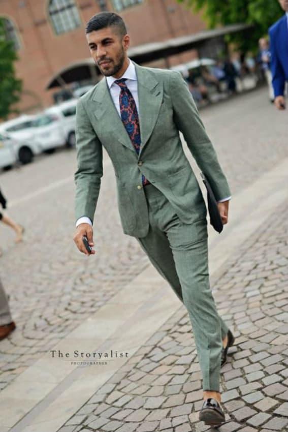 terno para casamento verde para usar de dia