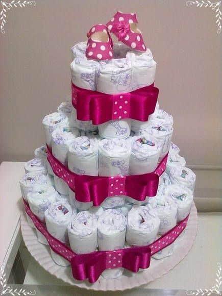 bolo decorado em pink para chá de bebê