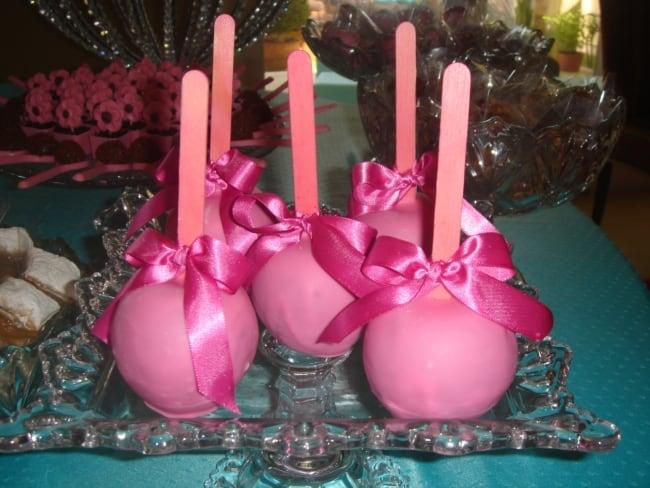 maçã do amor de chocolate rosa