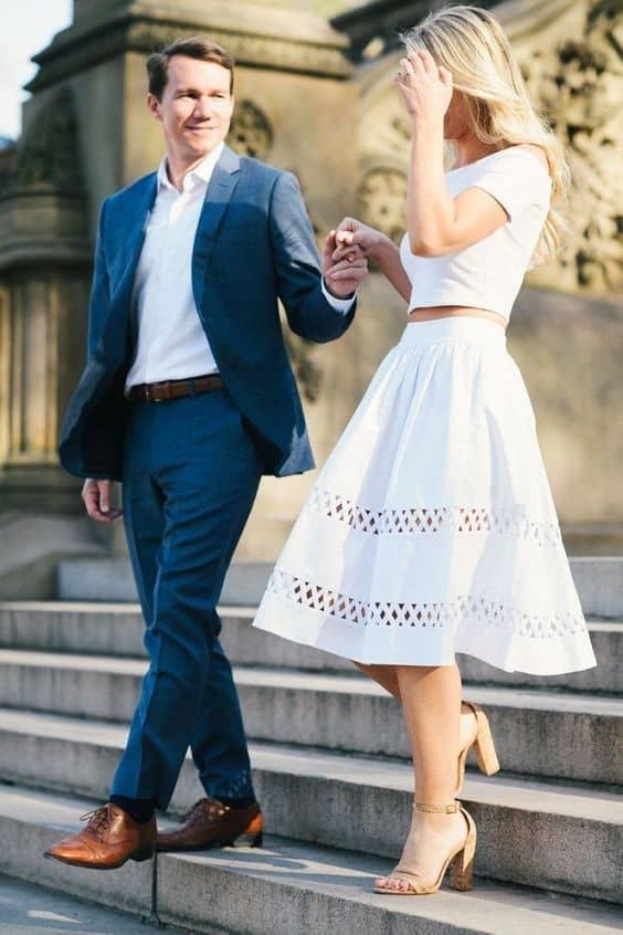 noivo com terno para casamento civil