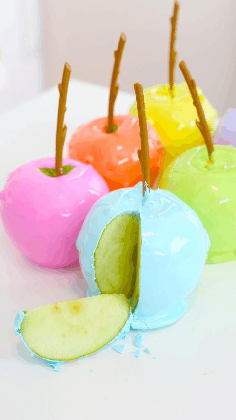 como fazer maçã do amor colorida
