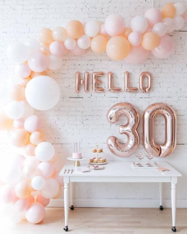 decoração simples festa 30 anos