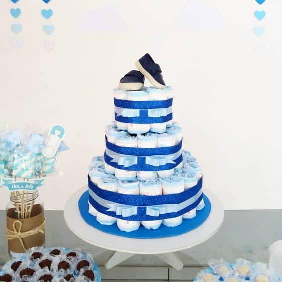 bolo de fraldas simples de 3 andares