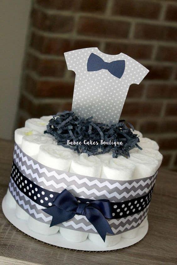 decoração bolo de fraldas pequeno