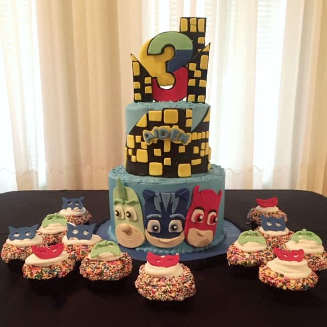 Bolo e cupcakes de PJ Masks