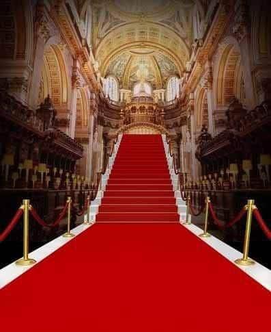 Casamento com tapete vermelho até nas escadarias