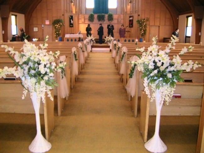 Flores em igreja