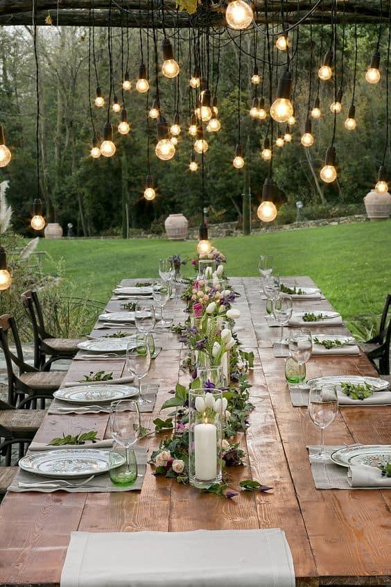 Jantar de noivado rústico ao ar livre