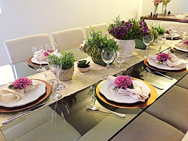 Jantar de noivado simples com a família