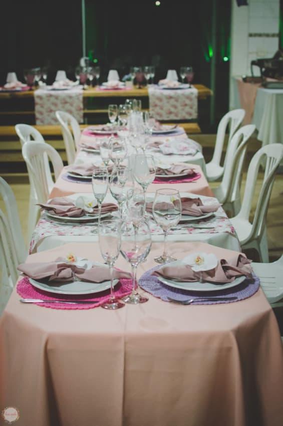 Mesa de jantar de noivado simples