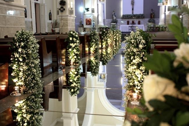 Tapete espelhado em casamento na igreja