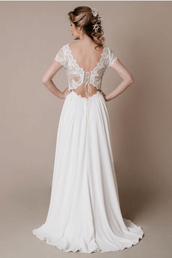 Vestido de noiva com manga curta rendada