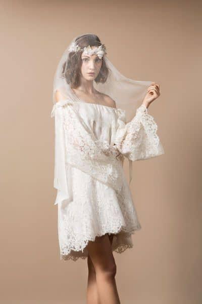 Vestido de noiva curto estilo boho
