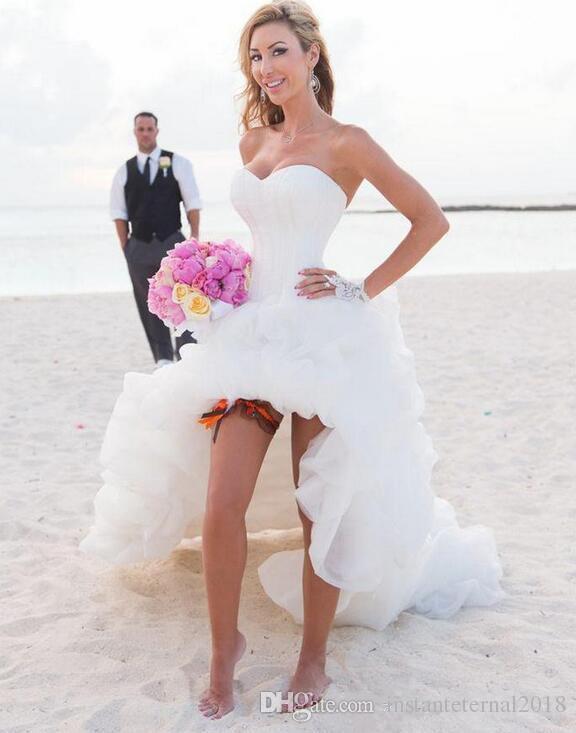 Vestido de noiva curto para casamento na praia