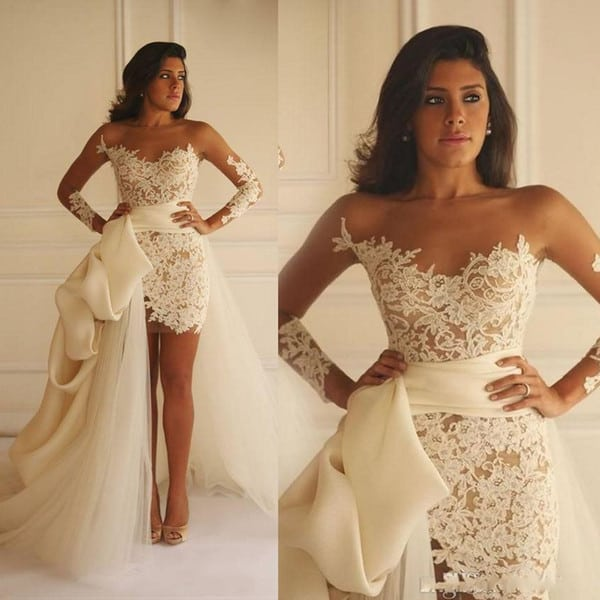 Vestido de noiva de renda curto