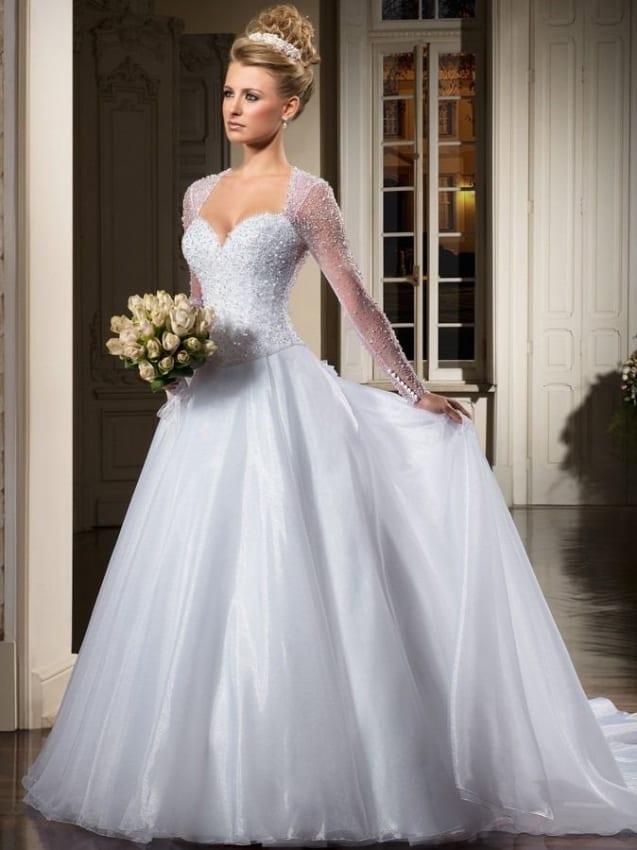 Vestido de noiva longo com manga transparente