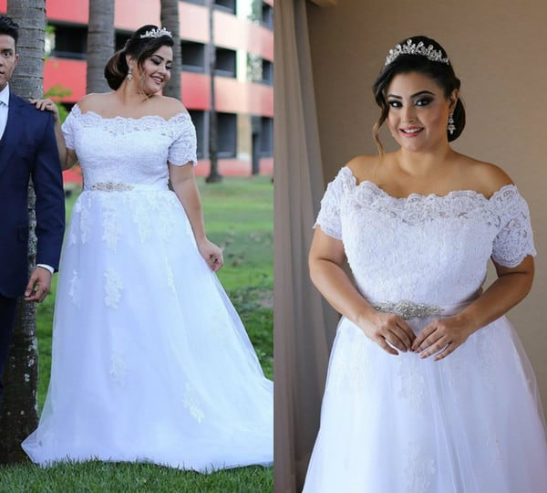 Vestido de noiva plus size com manga de renda