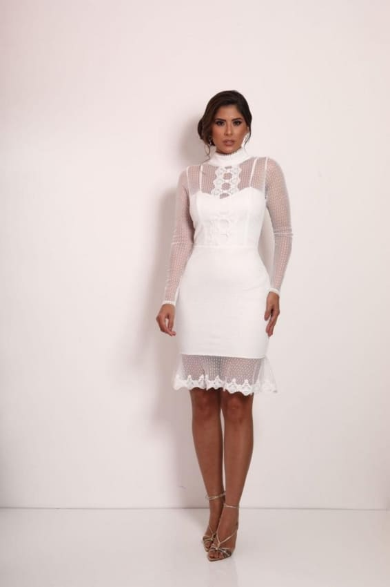 Vestido de noiva tubinho com manga longa de tule