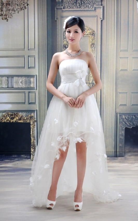 Vestido super delicado de noiva curto na frente