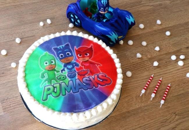 bolo com papel de arroz do PJ Masks