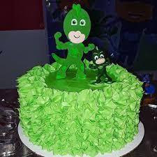 bolo dos PJ Masks com glacê verde