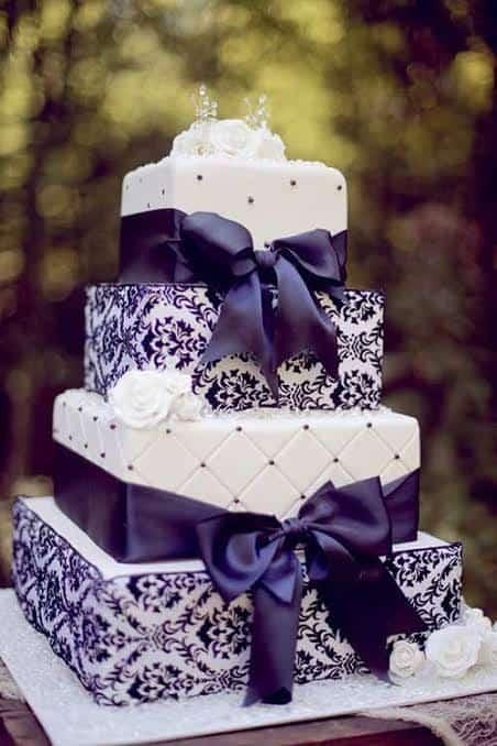 bolo quadrado azul e branco