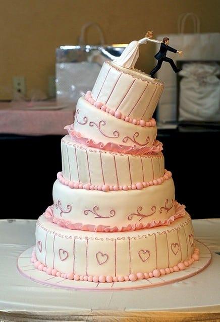 ideia de bolo de casamento criativo