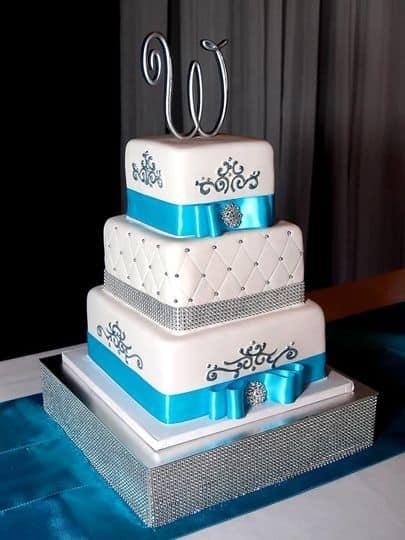 ideias de bolo quadrado azul e branco