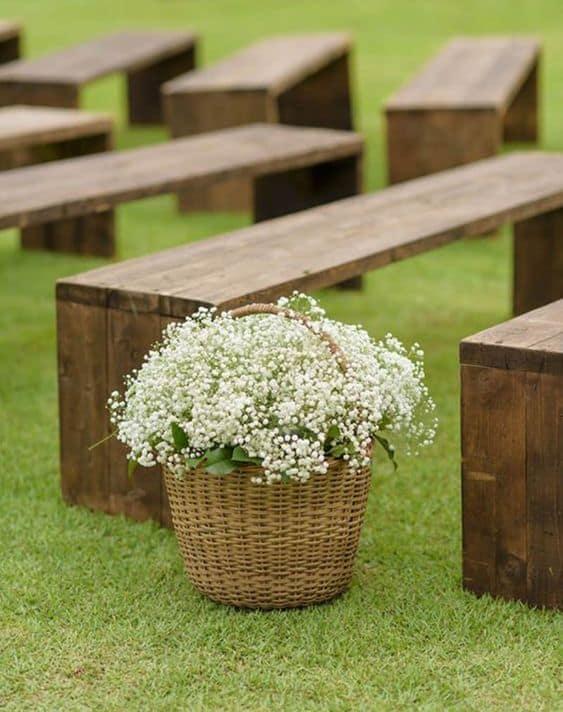 decoração simples com flores naturais