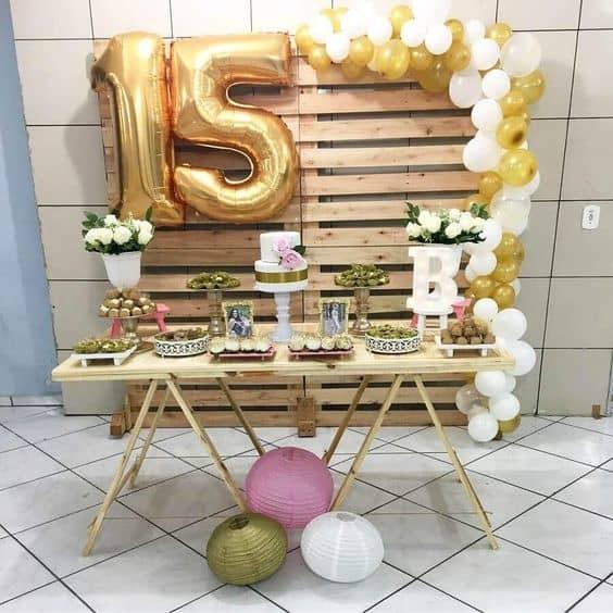 festa de 15 anos decorada com pallets