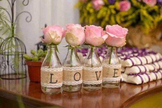decoração simples com rosas para casamento
