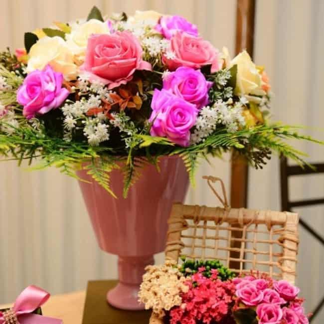 arranjo de flores de mentira para casamento