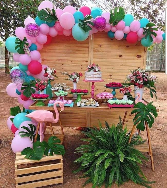 decoração simples para festa de 15 anos no jardim