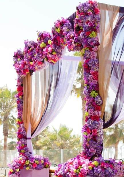 arco de flores artificiais pra casamento