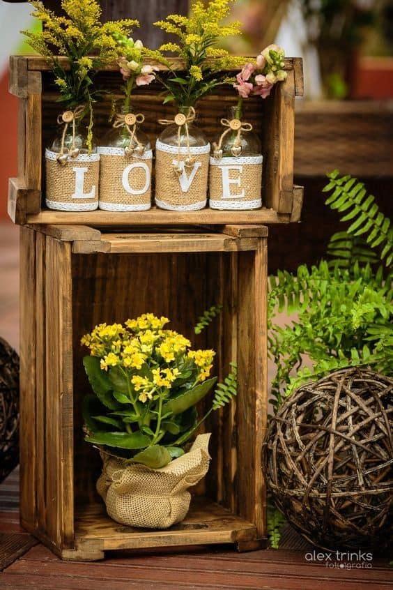 como usar caixotes de feira na decoração de casamento