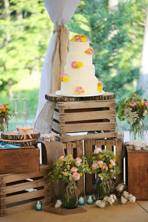 casamento rústico decorado com caixotes de madeira