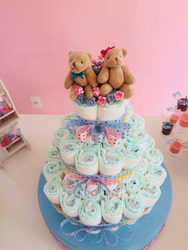 Bolo de Fraldas azul e rosa com urso