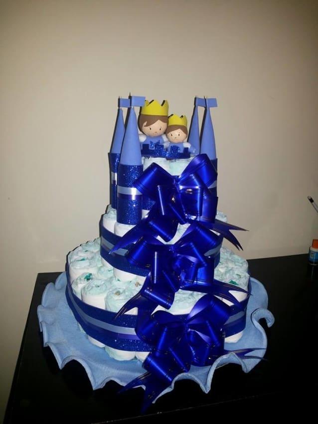 Bolo de Fraldas azul marinho castelo