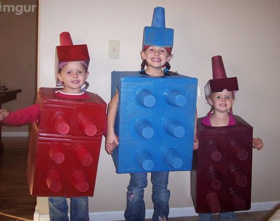Fantasia criativa de carnaval infantil de lego
