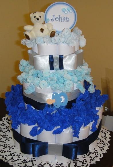 Lindo Bolo de Fraldas azul e branco